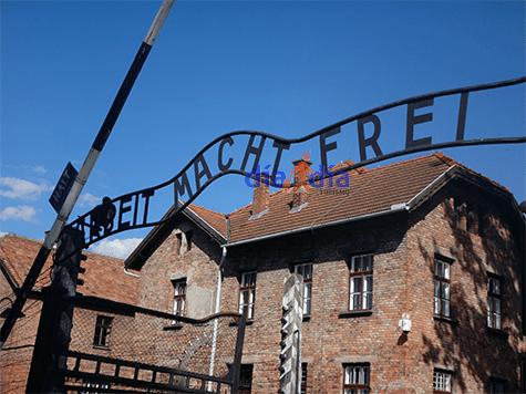 Entrada al campo de concentración Auschwitz