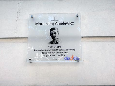 Placa conmemorativa a Mordejai Anilewicz