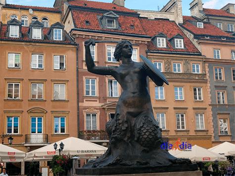 Sirena de Varsovia, igual a la que se encuentra en Copenhage